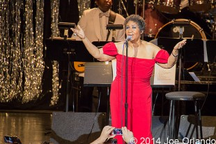 Aretha Franklin - 07-12-14 - DTE Energy Music Theatre, Clarkston, MI