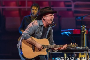 Garth Brooks – 02-20-15 – Joe Louis Arena, Detroit, MI