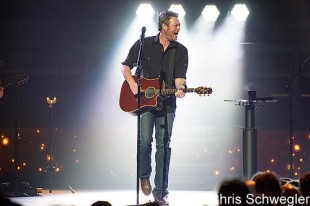 Blake Shelton – 02-20-16 – The Palace Of Auburn Hills, Auburn Hills, MI