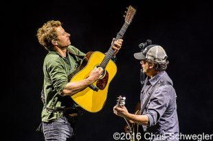 Dierks Bentley – 05-22-16 – Somewhere On A Beach Tour, DTE Energy Music Theatre, Clarkston, MI